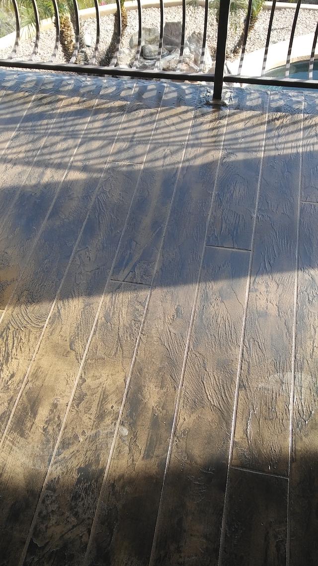 Concrete-faux-wood-coating
